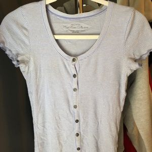hollister white and lavender striped t shirt